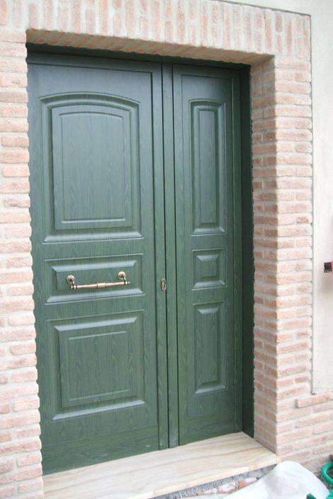 Produzione e montaggio di porta per privati