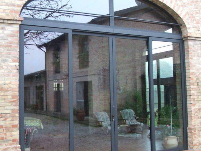 Dettaglio di veranda realizzata su misura