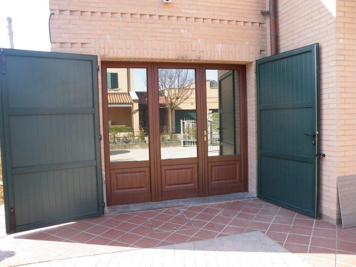 Porta da esterno per privati in legno